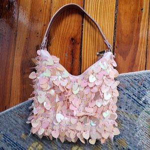 Cute 90s bag!! 💓 hearts fun flirty